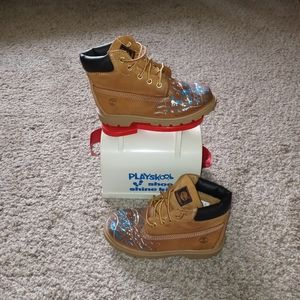 PRE-OWNED custom paint splatter wheat timberlands